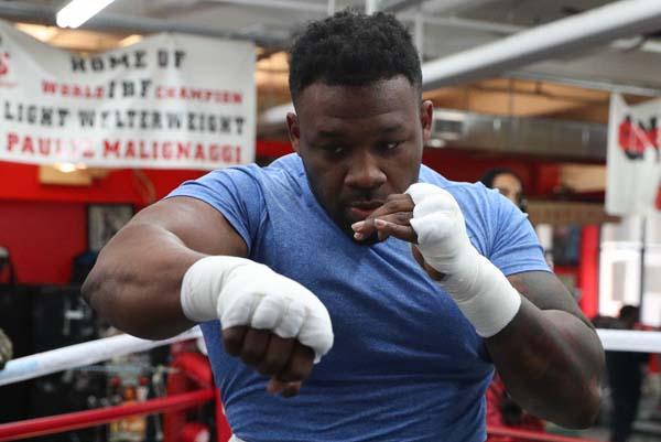 https://fightnews.com/boxing/big-baby-mulholland05.jpg