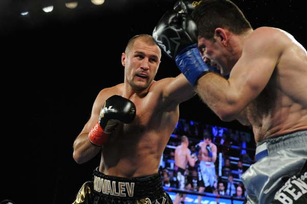 Kovalev stops Mikhalkin to defend light heavyweight title