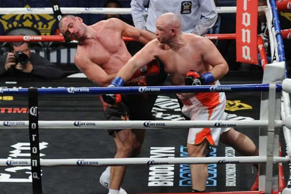 https://fightnews.com/boxing/kownacki_kiladze.jpg
