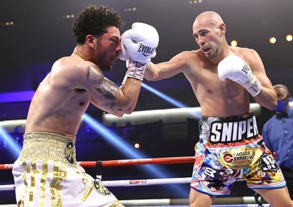 Jose Pedraza vs Julian Rodriguez action14.
